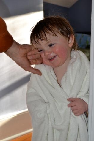 Kids love the e-body luxury bath towel1