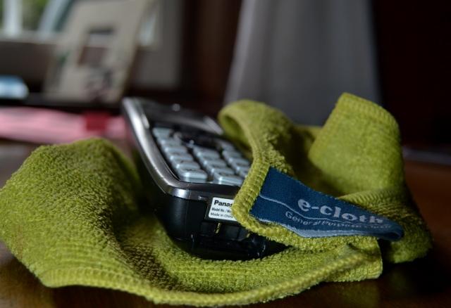 e-cloth cleans phones