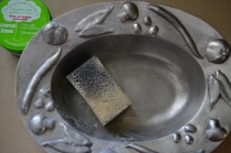 Clean stainless steel bowl with Universal Stone