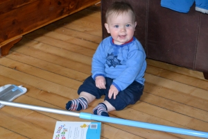 baby clean floor with ecloth