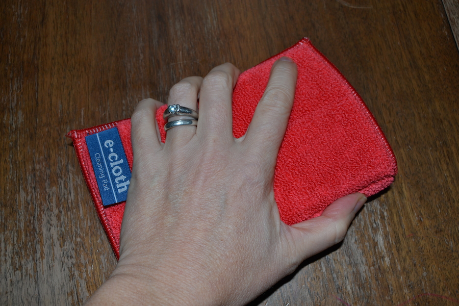 Kates bathroom roundup review norwex bathroom scrub mitt for How to use norwex bathroom scrub mitt