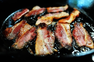 wipe bacon grease easily with e-cloth